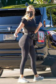 Khloe Kardashian Out and About in Woodland Hills 09/13/2021 16