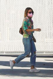 Kristen Bell Day Out for Shopping in Los Angeles 09/14/2021 2