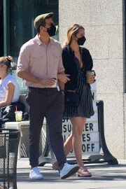 Blake Lively and Ryan Reynolds Day Out in New York 09/26/2021 4