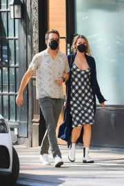Blake Lively and Ryan Reynolds Out and About in New York 09/27/2021 7
