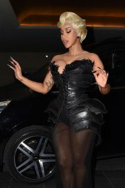 Cardi B Attends Thierry Mugler - Couturissime Photocall at Paris Fashion Week 09/28/2021 1