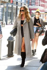 Chrissy Teigen Day Out in New York 09/27/2021 3