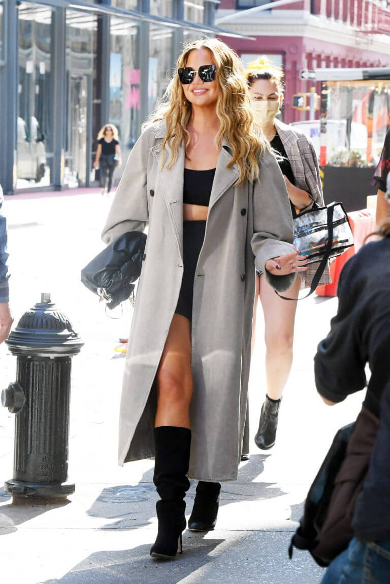 Chrissy Teigen Day Out in New York 09/27/2021 7